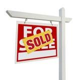 Nach Hause verkauft für Verkaufs-Grundbesitz-Zeichen auf Weiß Stockbild