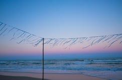 Nach Sonnenuntergang auf dem Strand stockbilder