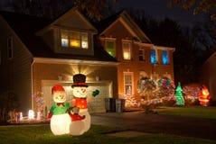 Nachbarschafts-Weihnachtsdekorationen Stockbild