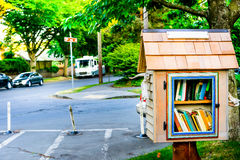 Nachbarschaftsbibliothek Lizenzfreies Stockbild