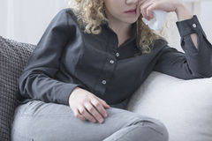 Nachdenkliche deprimierte Frau Lizenzfreies Stockfoto