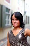 Nachdenklicher Blick der attraktiven Brunettefrau Stockfotos