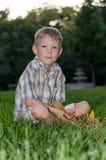 Nachdenklicher Junge Stockfotografie
