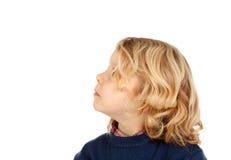 Nachdenkliches kleines blondes Kind Lizenzfreie Stockfotos