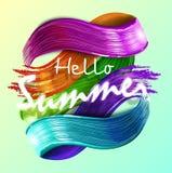 Nachgemachter mehrfarbiger Hintergrund mit handgeschriebenem modernem Kalligraphiemitteilungshallo Sommer Stockfotografie