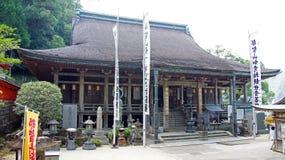 Nachi cai templo de Seiganto-ji em Japão imagem de stock royalty free