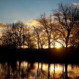Nachmittags-Winter-Weg am Sonnenuntergang stockbilder