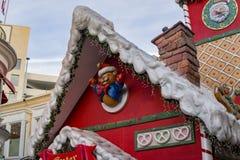 Nachmittagsansicht Santa Houses in Grove lizenzfreies stockbild