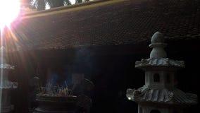 Nachmittagssonne durch den alten Tempel stockfoto