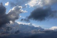 Nachmittagswolken Stockbild