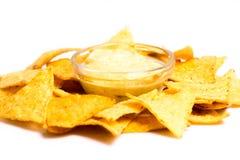 Nachos com molho de queijo Foto de Stock