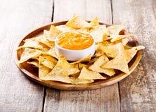 Nachos com queijo Fotografia de Stock