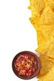 Nachos e inmersión fresca de la salsa Fotografía de archivo