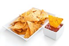 Nachos e salsa fotografie stock libere da diritti