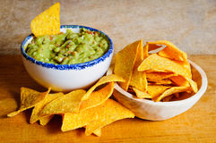 Nachos and guacamole Royalty Free Stock Photography