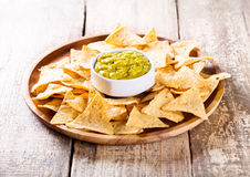 Nachos with guacamole Royalty Free Stock Photography