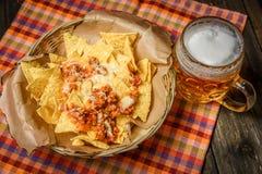 Nachos servidos com carne Fotografia de Stock