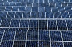 Nachricht der Sonnenenergie panels Stockfotos