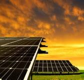 Nachricht der Sonnenenergie panels Stockbild