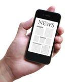 Nachrichten auf beweglichem Smartphone Stockfotos