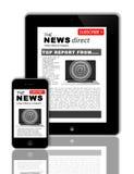 Nachrichten an der Tablette und am Telefon Lizenzfreies Stockbild