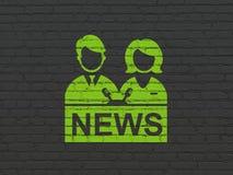 Nachrichtenkonzept: Ankermann auf Wandhintergrund stockbild