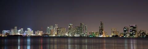 Nacht über Miami, Florida, USA Stockfotos