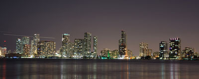 Nacht über Miami, Florida, USA Lizenzfreies Stockbild