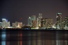 Nacht über Miami, Florida, USA Stockbilder