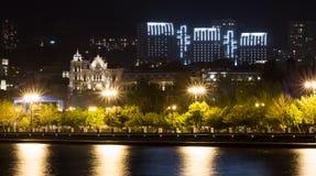 Nacht Baku Stockfoto
