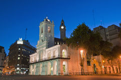 Nacht bij de bouw Cabildo in Buenos aires Stock Foto's