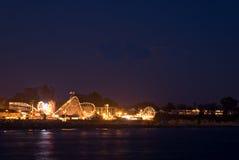 Nacht bij de Promenade van het Strand van Cruz van de Kerstman royalty-vrije stock foto's