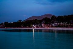 Nacht bij strand stock foto's
