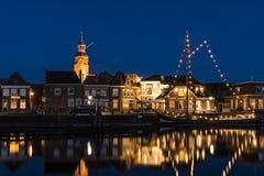 Nacht in Blokzijl und im Hafen Overijssel Stockbilder