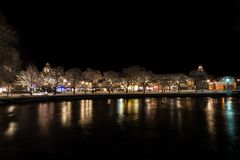 Nacht in de stad van Filipstad, Zweden december, 2017 Stock Foto