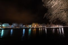 Nacht in de stad van Filipstad, Zweden december, 2017 Stock Afbeeldingen