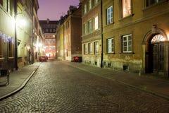 Nacht in der alten Stadt von Warschau in Polen Lizenzfreie Stockbilder