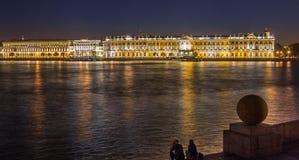 Nacht dichtbij Kluis Royalty-vrije Stock Afbeeldingen