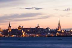 Nacht die van HoofdTallinn, Estland is ontsproten Royalty-vrije Stock Foto's