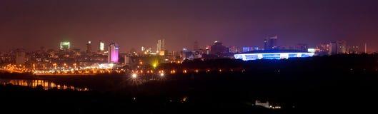 Nacht Donetsk, Ukraine Stockfotos