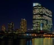 Nacht in financieel district van een grote stad Royalty-vrije Stock Fotografie
