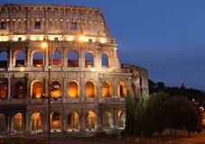Nacht geschossen vom colosseum in Rom Lizenzfreies Stockfoto