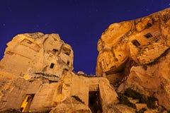 Nacht-Goreme-Stadt, die Türkei lizenzfreie stockfotografie