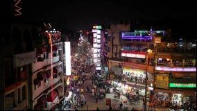 Nacht Hoofdbazar in New Delhi stock videobeelden