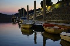 Nacht im Kanal stockfotografie