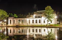 Nacht am Kasino in Klausenburg Napoca stockfotografie