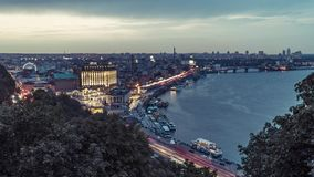 Nacht Kiev Timelapse Centraal deel van Kyiv-Stad en Dnieper-Rivier stock footage