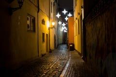 Nacht kleine straat Stock Afbeelding