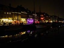 Nacht in Kopenhagen royalty-vrije stock afbeeldingen