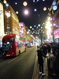 Nacht in London lizenzfreie stockbilder
